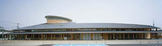 木造建築の施工事例:河北町地域交流センター どんがホール 2枚目