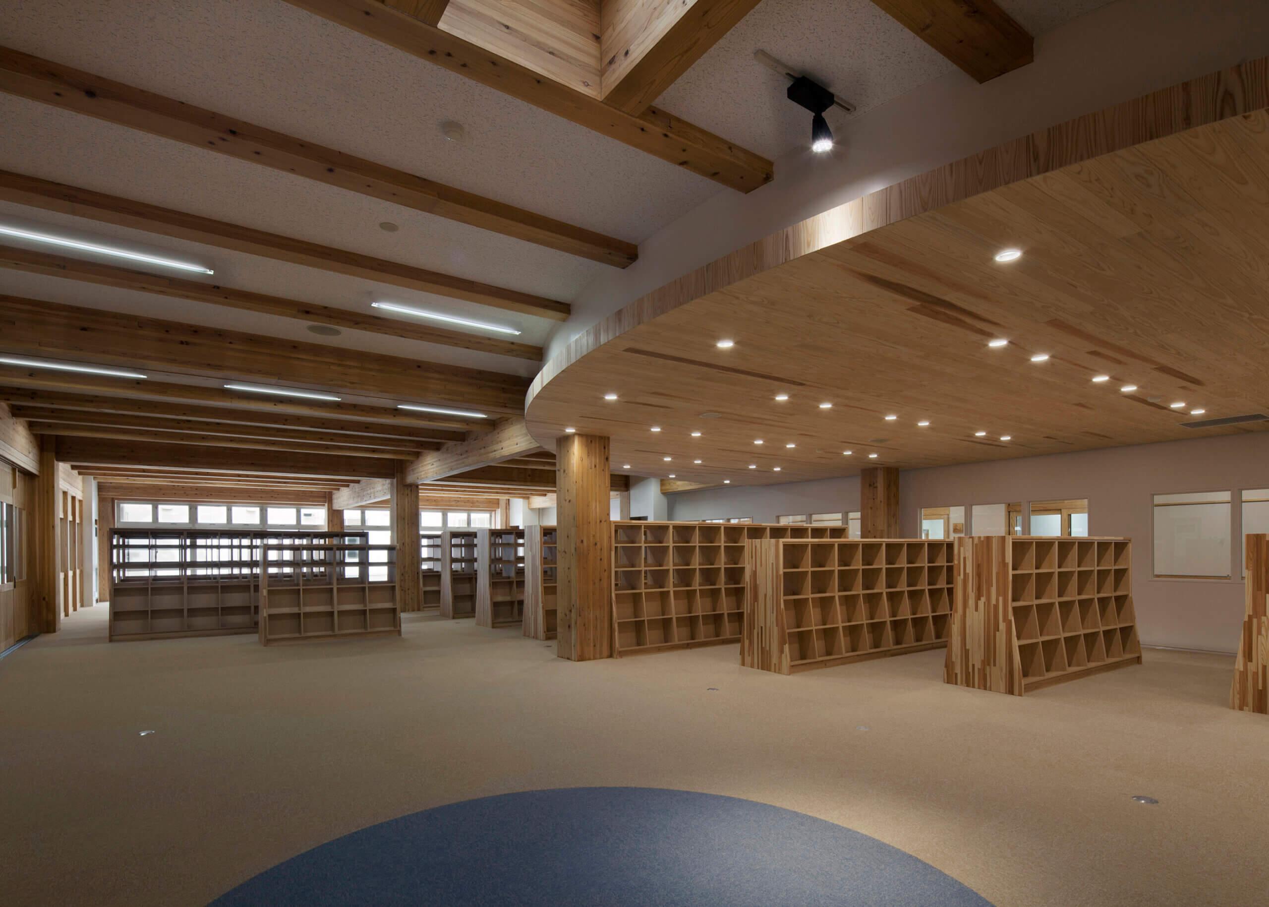木造建築の施工事例:大槌町立大槌学園小中一貫教育校(校舎棟) 2枚目