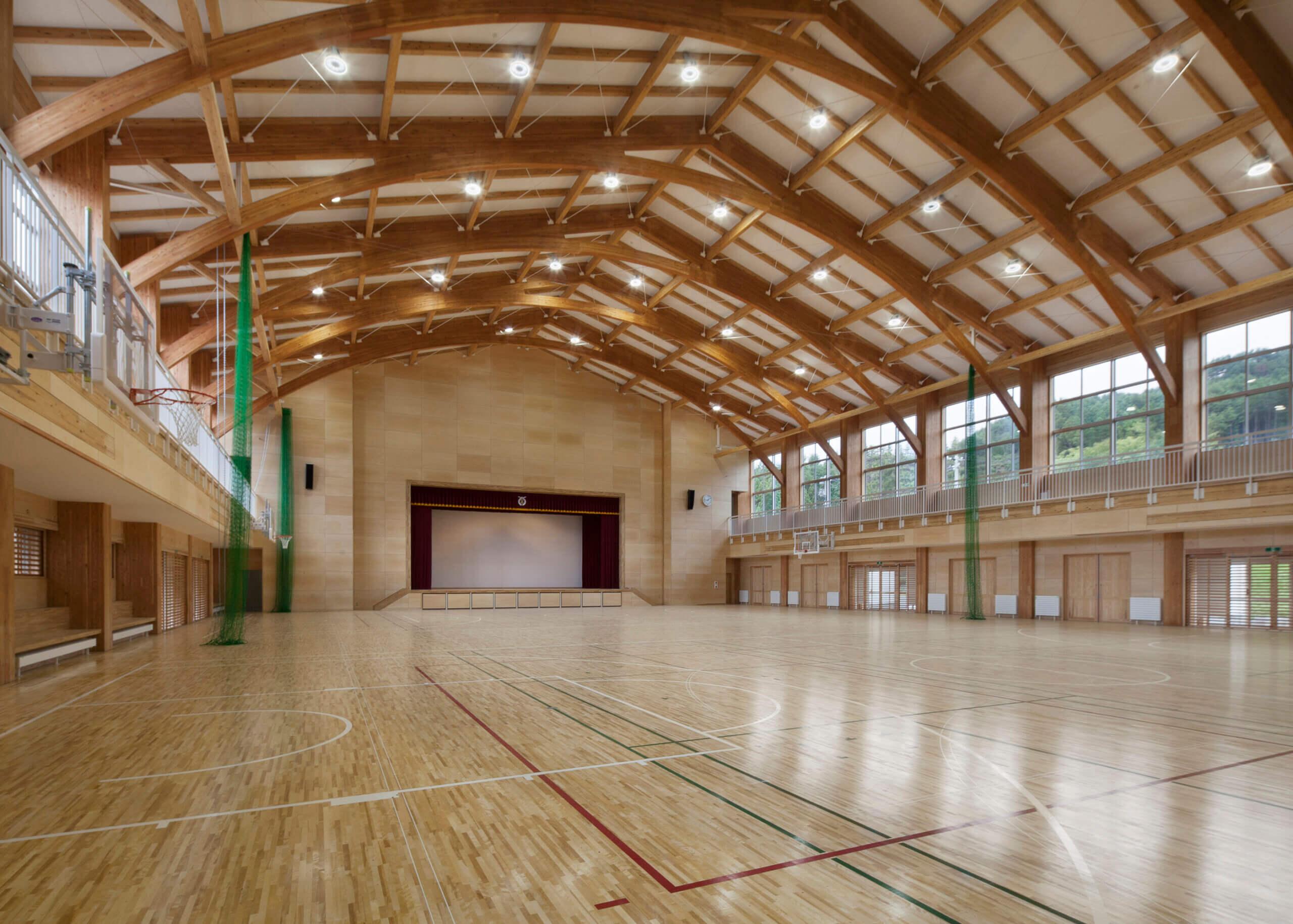 木造建築の施工事例:大槌町立大槌学園小中一貫教育校(屋内運動場棟) 2枚目