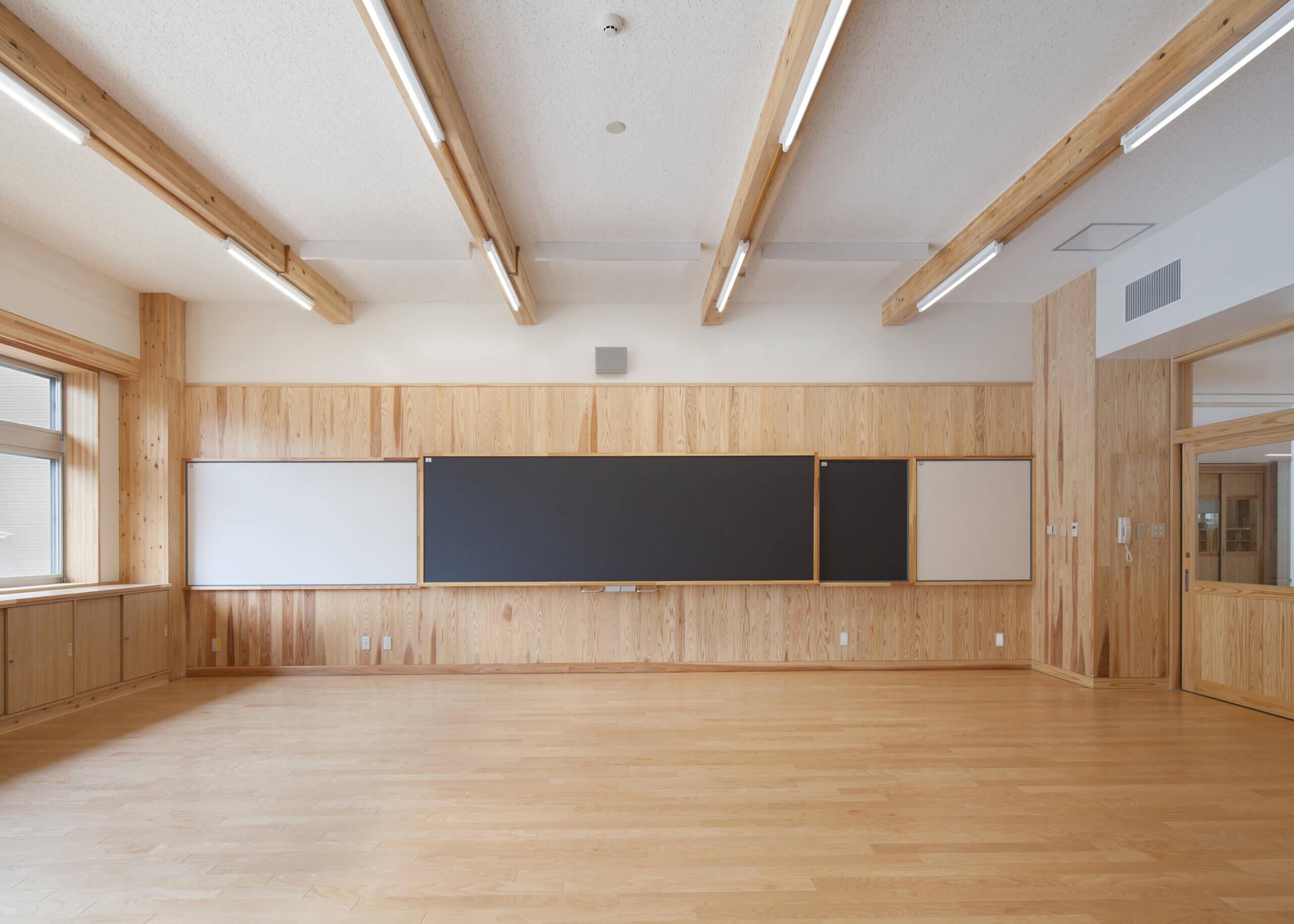 木造建築の施工事例:大槌町立大槌学園小中一貫教育校(校舎棟) 3枚目