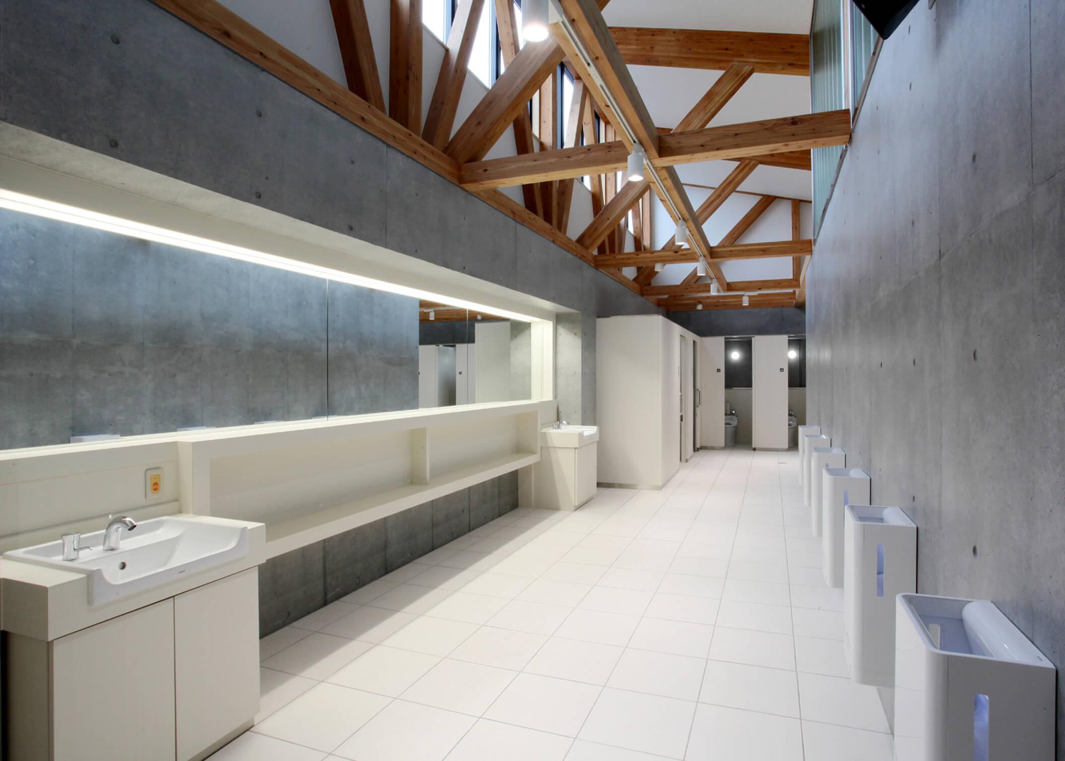 木造建築の施工事例:北欧の風 道の駅とうべつ 3枚目