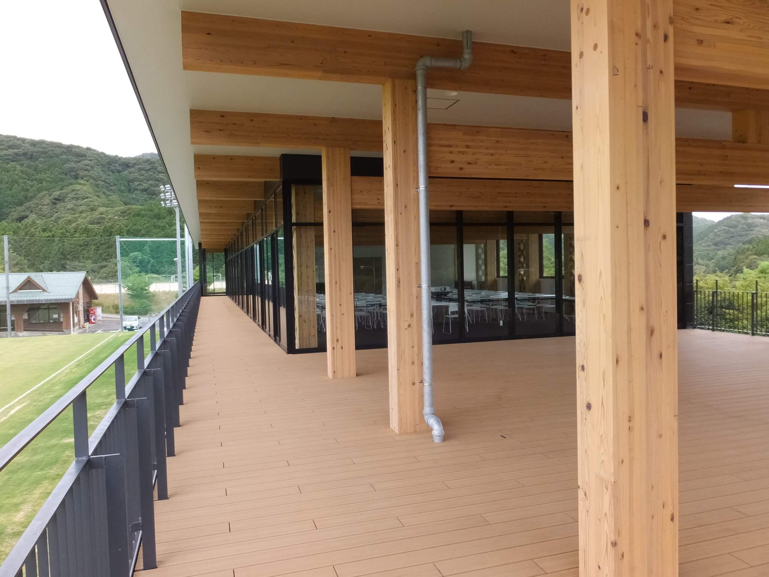 木造建築の施工事例:長門市俵山多目的交流広場 クラブハウス 7枚目