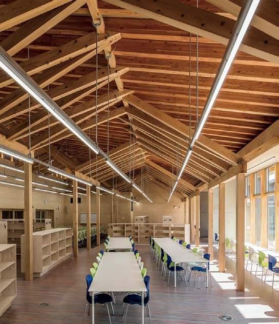 木造建築の施工事例:八戸市立 西白山台小学校 5枚目