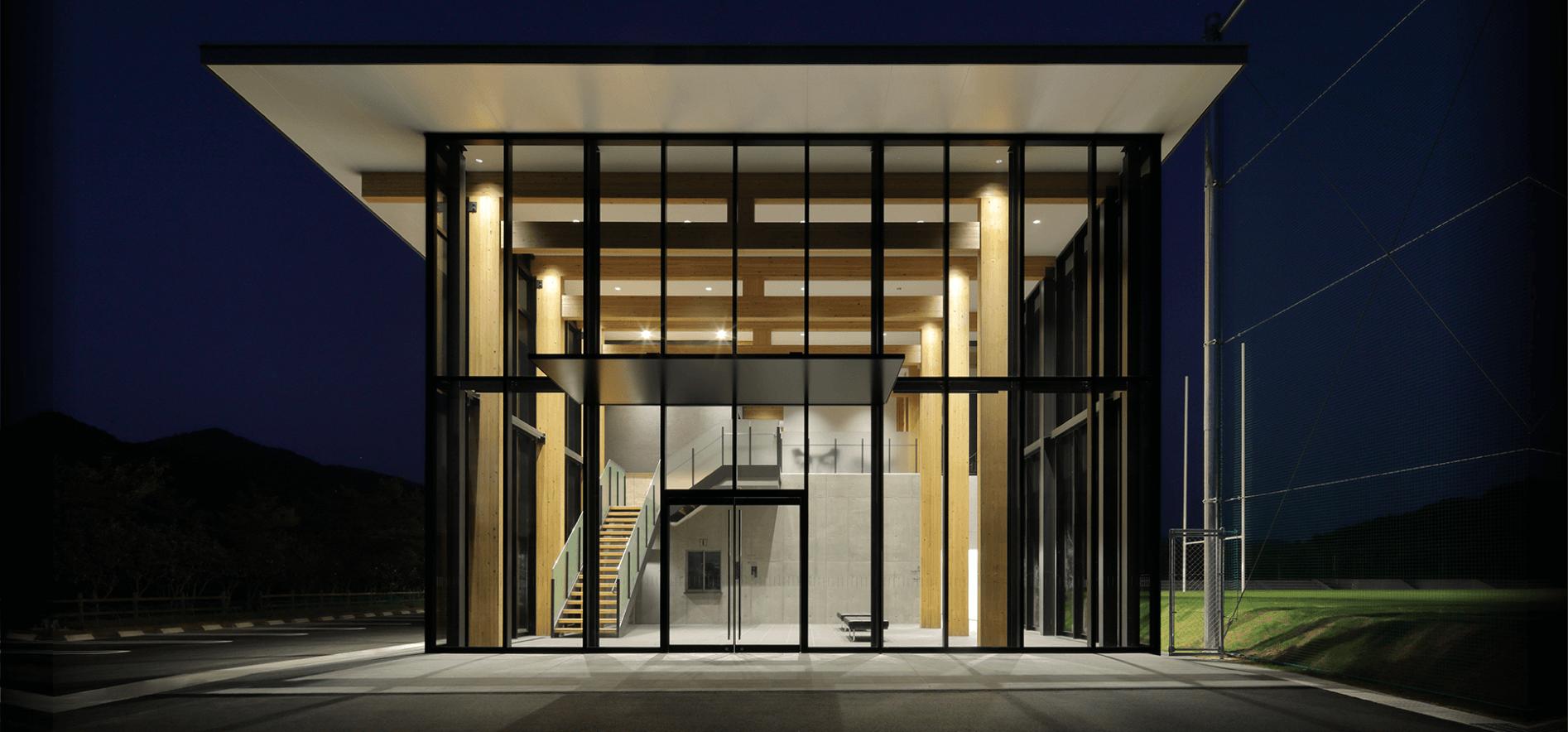 木造建築の施工事例:長門市俵山多目的交流広場 クラブハウス 1枚目