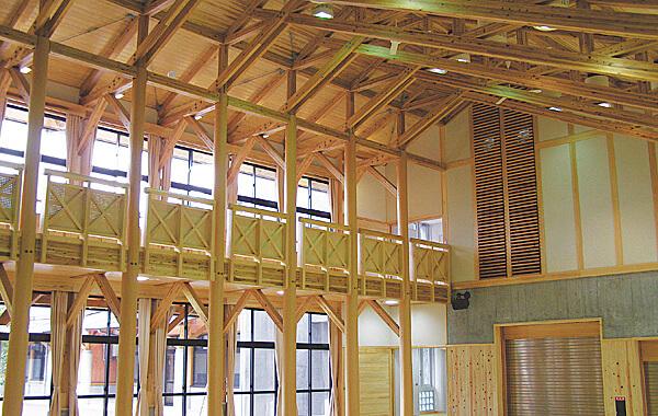 木造建築の施工事例:西予市立魚成小学校 2枚目