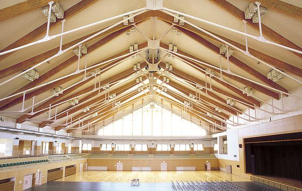 木造建築の施工事例:二ツ井町総合体育館 2枚目