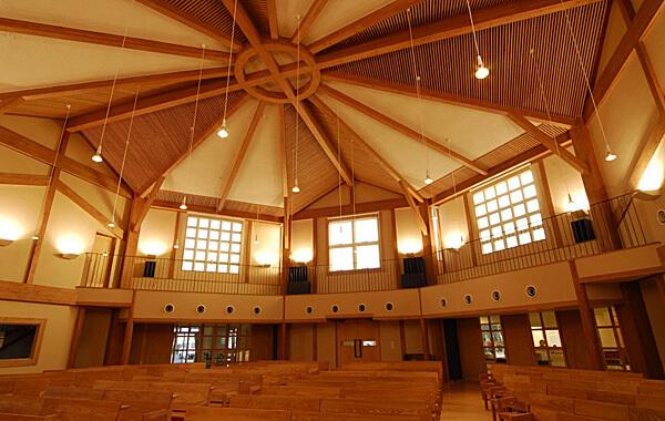 木造建築の施工事例:日本基督教団遠州栄光教会三方原会堂 2枚目