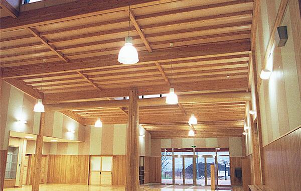 木造建築の施工事例:旭志村立旭志小学校 2枚目