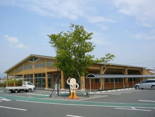 木造建築の施工事例:JA西都農産物直売所・ファーマズマーケット「いっちゃが広場」 1枚目