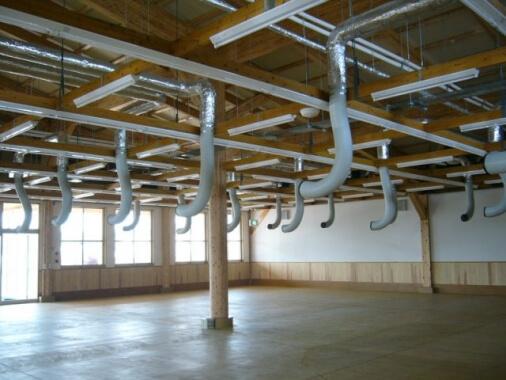 木造建築の施工事例:JA西都農産物直売所・ファーマズマーケット「いっちゃが広場」 2枚目