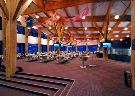 木造建築の施工事例:ニセコ花園エリアスキーセンター『HANAZONO308』 2枚目