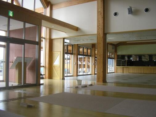 木造建築の施工事例:道の駅  十文字 2枚目