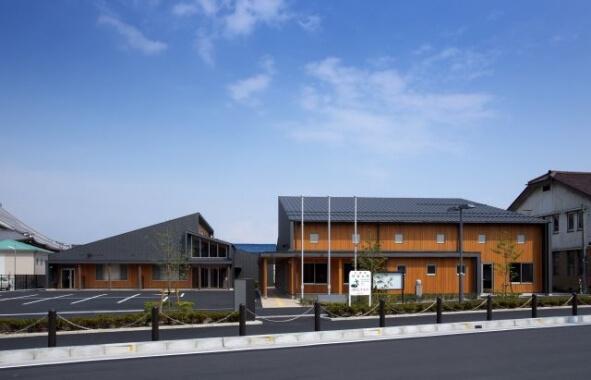 八日市コミニティセンター(事務所棟・ホール棟)