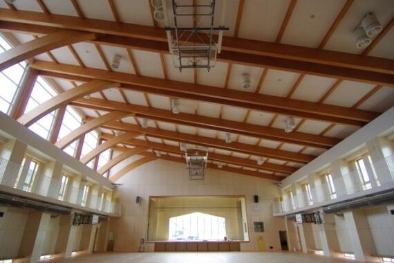 木造建築の施工事例:二戸市立浄法寺小学校(体育館) 2枚目