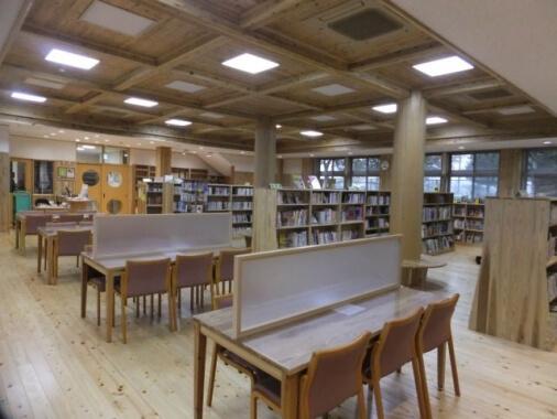 木造建築の施工事例:西原村生涯学習センター 山河の館 2枚目