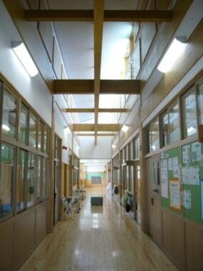 木造建築の施工事例:玖珠町立北山田小学校 2枚目