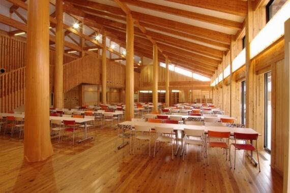 木造建築の施工事例:亀山市立関中学校 2枚目