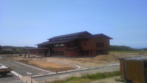 八峰町役場庁舎