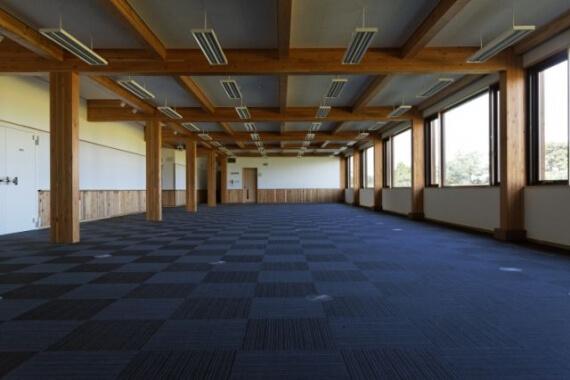 木造建築の施工事例:八峰町役場庁舎 2枚目