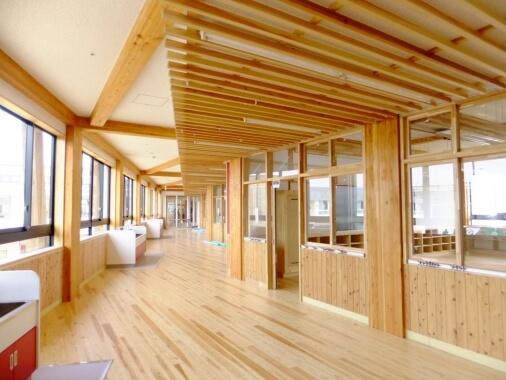 木造建築の施工事例:守谷市立 守谷小学校 2枚目