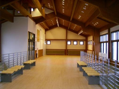 木造建築の施工事例:八幡平山頂レストラン 2枚目