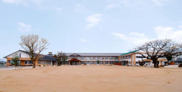 木造建築の施工事例:南種子町立中平小学校 1枚目