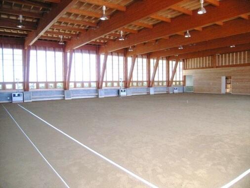 木造建築の施工事例:雄武町健康ふれあいセンター ゲートボール場 2枚目