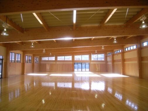 木造建築の施工事例:尾鷲市立尾鷲中学校第 武道場 2枚目