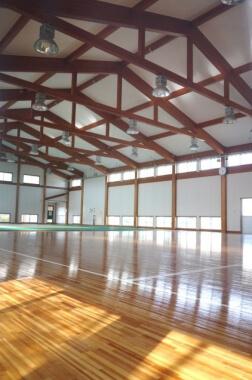 木造建築の施工事例:広川町立広川中学校 武道場 2枚目