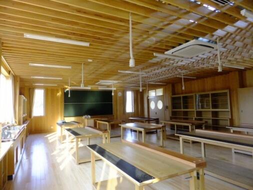 木造建築の施工事例:庄原市立庄原中学校 特別教室棟 2枚目
