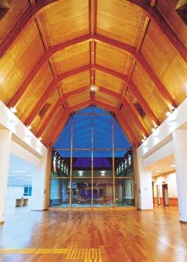 木造建築の施工事例:中頓別町役場庁舎 2枚目