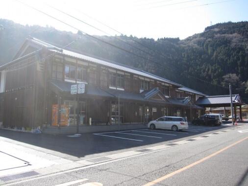 木造建築の施工事例:村所驛&付帯施設 2枚目