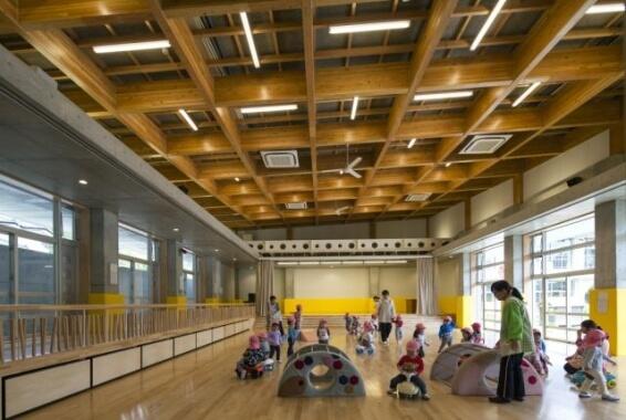 木造建築の施工事例:長南町立長南保育所 遊戯室棟 2枚目