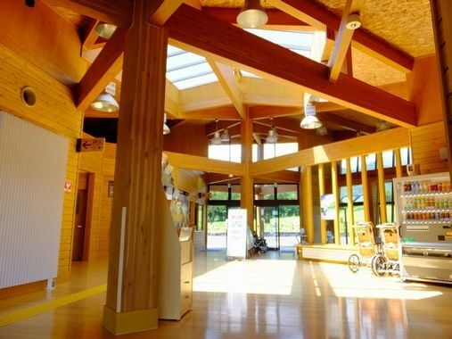 木造建築の施工事例:国営アルプスあづみの公園 堀金・穂高地区ゲート棟 2枚目