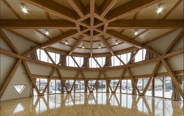 木造建築の施工事例:一関市山目小学校 2枚目