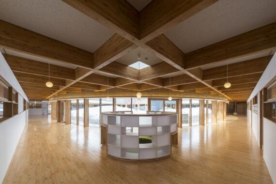木造建築の施工事例:訓子府町認定こども園「わくわく園 2枚目
