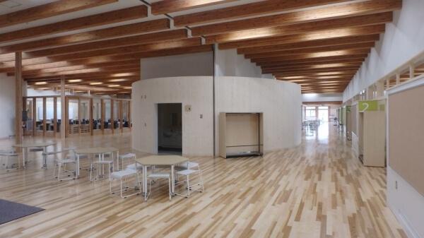 木造建築の施工事例:北見市立留辺蘂小学校 1枚目