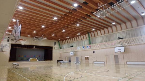 木造建築の施工事例:北見市立留辺蘂小学校 2枚目