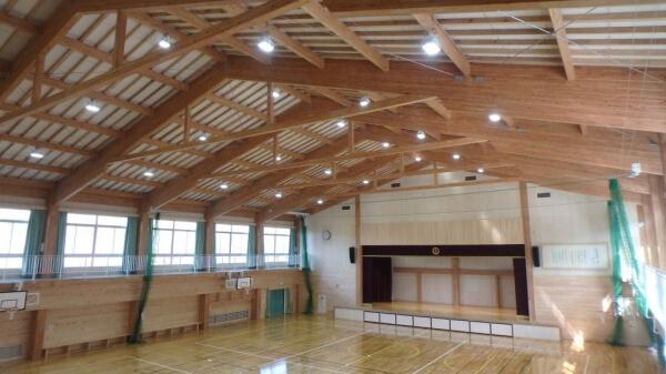 木造建築の施工事例:恵那市立武並小学校 2枚目