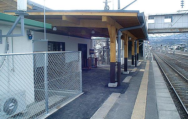 木造建築の施工事例:JR庭坂駅 2枚目