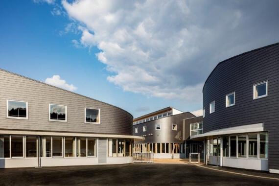 木造建築の施工事例:八戸市立 西白山台小学校 2枚目