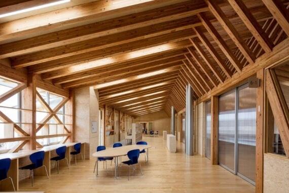 木造建築の施工事例:八戸市立 西白山台小学校 4枚目