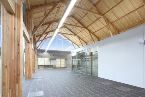 木造建築の施工事例:三国駅舎 2枚目