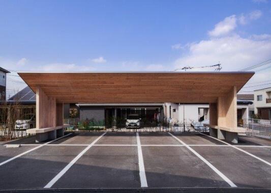 木造建築の施工事例:CLTキャノピー 2枚目
