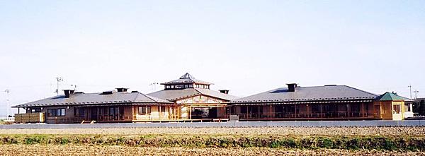 木造建築の施工事例:社会就労センター「ゆうの家」・デイサービスセンター「なすびの里」 1枚目