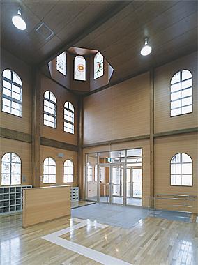 木造建築の施工事例:大利根町立わらべ第一保育園 2枚目
