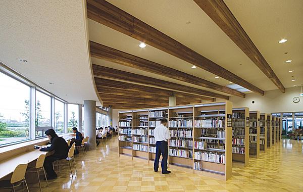 木造建築の施工事例:杉戸町生涯学習センター・杉戸町立図書館 カルスタすぎと 2枚目