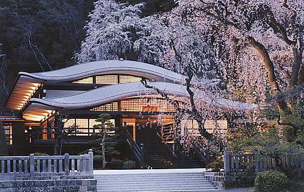 木造建築の施工事例:身延山久遠寺 報恩閣 2枚目