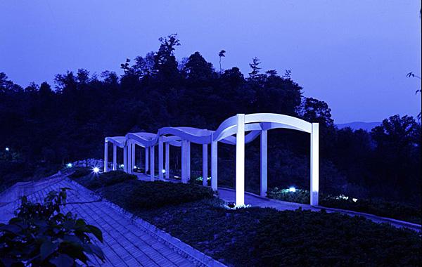 木造建築の施工事例:岡崎市恩賜公園(現:岡崎中央総合公園) 波の造形 2枚目