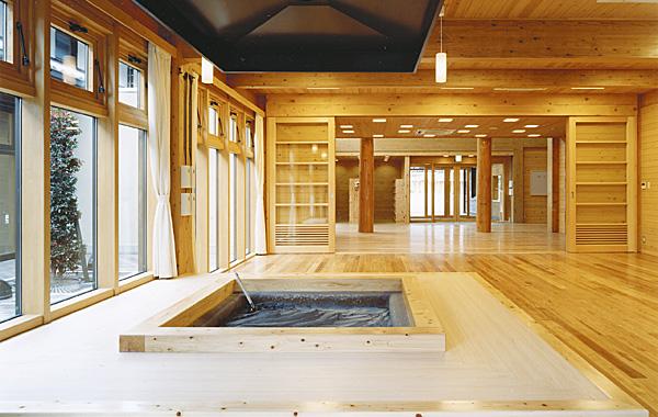 木造建築の施工事例:木の国七宗コミュニティセンター 2枚目